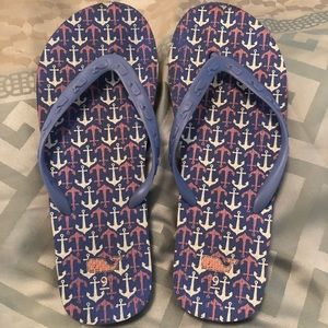 Vineyard Vines women's flip flops